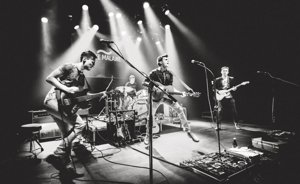How to get gigs as a band or musician: 8 steps to success