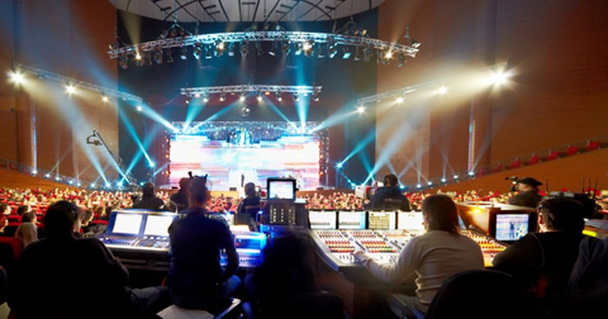 Sound Engineer Hire for Concerts, Events & Weddings