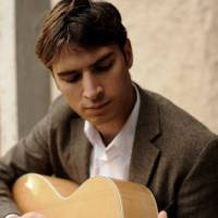 Jamie (Solo singer / acoustic guitar)