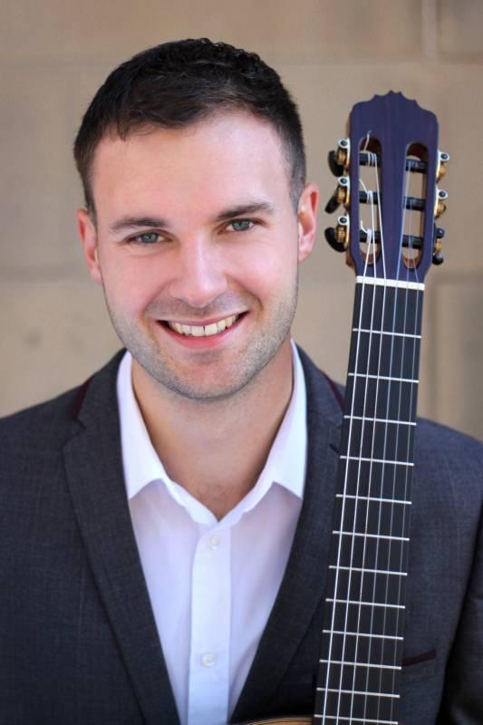 Acoustic Guitarist & Vocalist | Last Minute Musicians