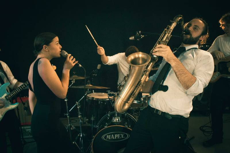 Funky Friday: Top Function, Party and Wedding Band for Hire