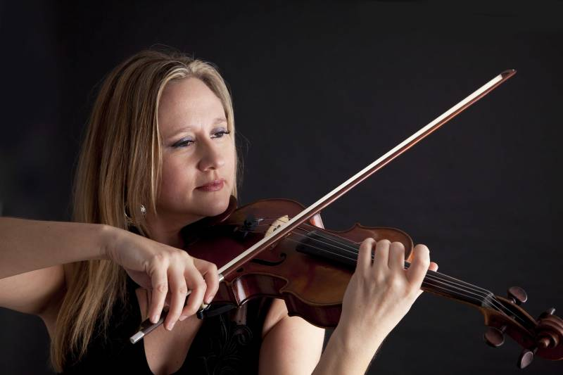 Rosie Violin Distinguished Violinist For Hire