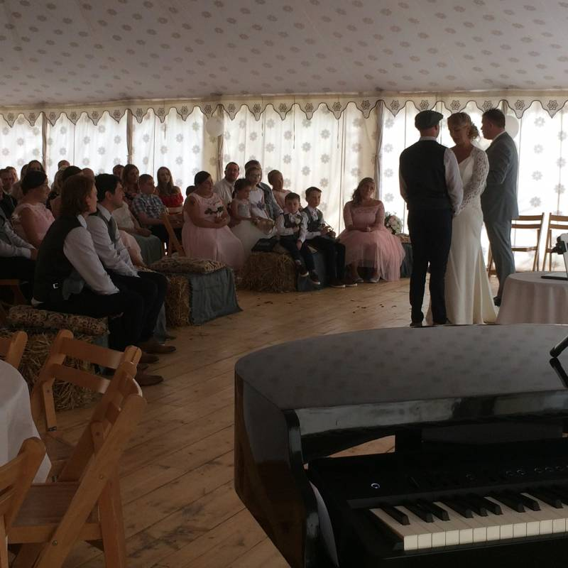 10 Alternative Songs For Your Walk Down The Aisle: Roger Miners - Wedding & Event Pianist
