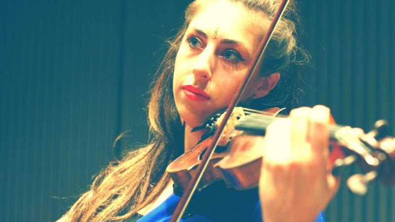Emily (Violin/Viola): Bespoke live amplified Violin & Viola for