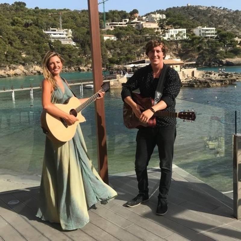 Foxgloves Duo   Last Minute Musicians