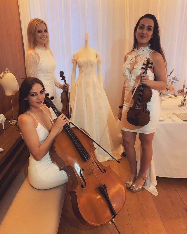 Isabella Dembinska - Cello Expert | Last Minute Musicians